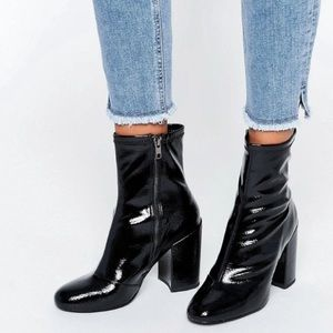 🍁🥧 Steve Madden Patent Leather Booties